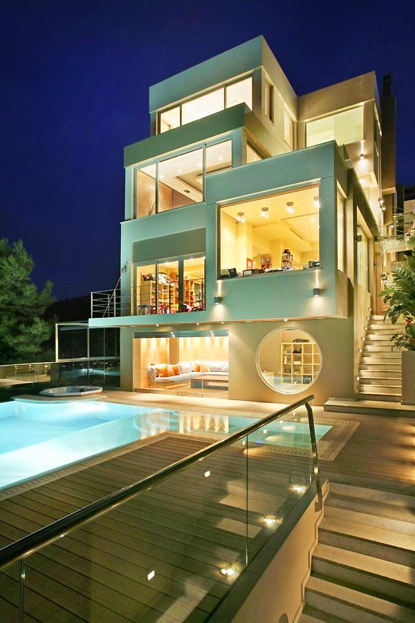 Модерна вила в Гърция