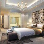 Спалня с оригинално пано на стената