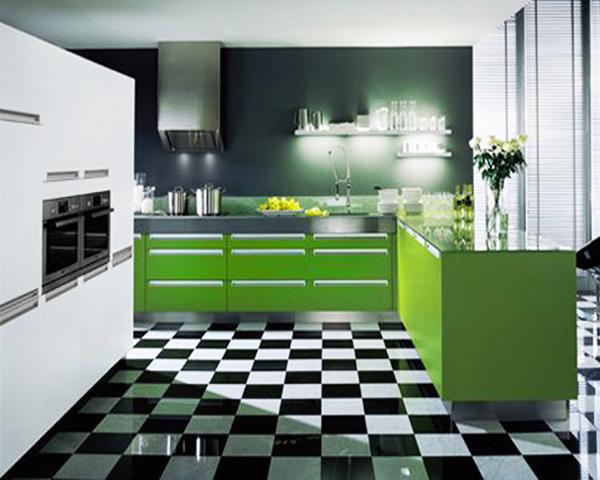 Зеленото чудесно се комбинира с черно