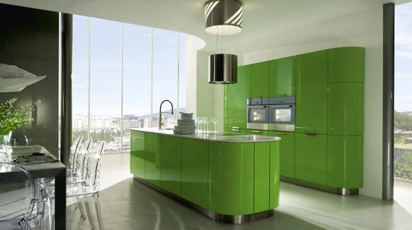 Кухня в зелено с лакирани повърхности