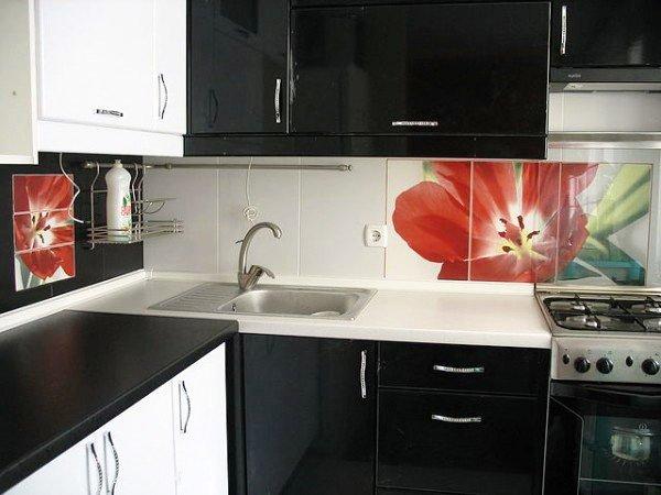 кухни-4erno-4erveno-2