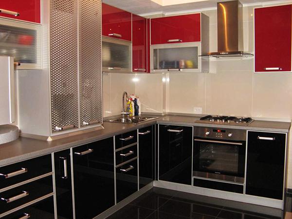 кухни-4erno-4erveno-31
