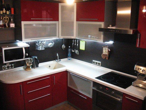 кухни-4erno-4erveno-34