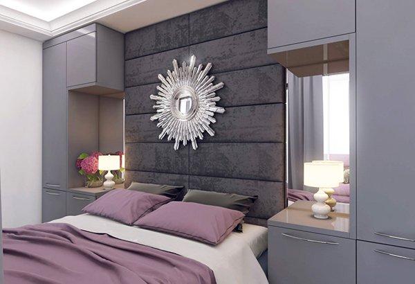 Спалнята е решена в сиво и лилави акценти