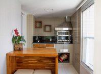 Мини-лятна кухня на балкона в апартамента